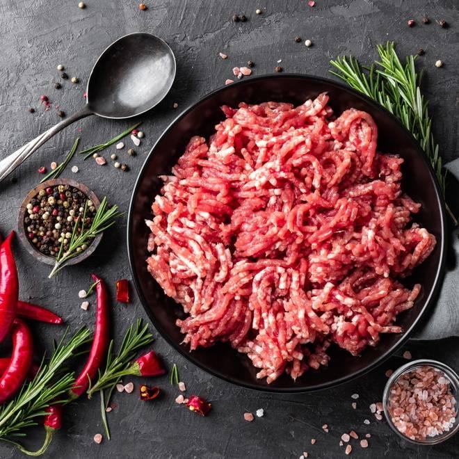 フライパンで作る♪合い挽き肉を使ったおつまみ